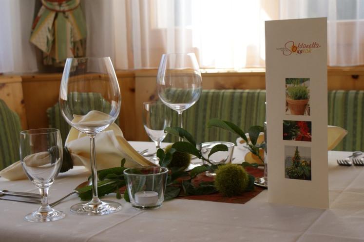 Tisch Restaurant1.jpg