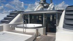 yacht Jacuzzi reglazing