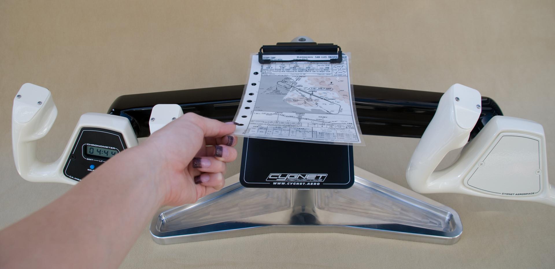 Beech Flight Desk With Chart.jpg