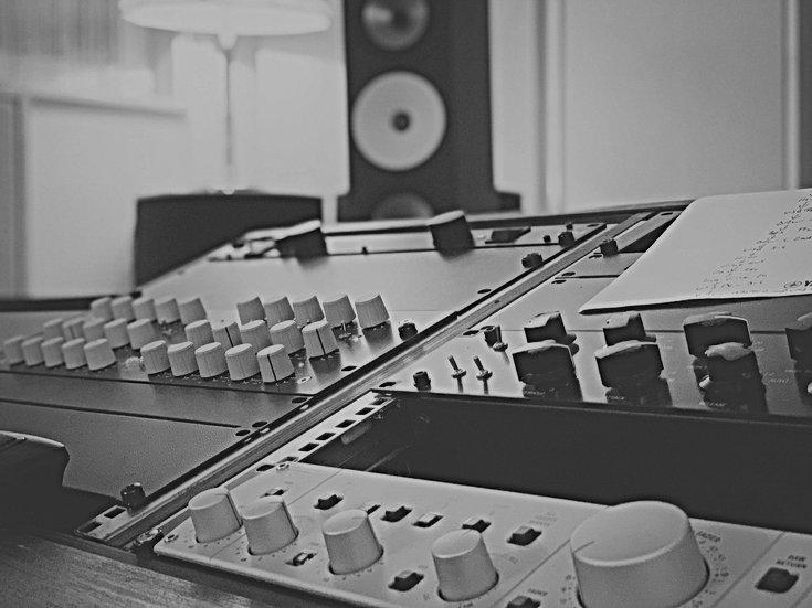 Studio%202_edited.jpg