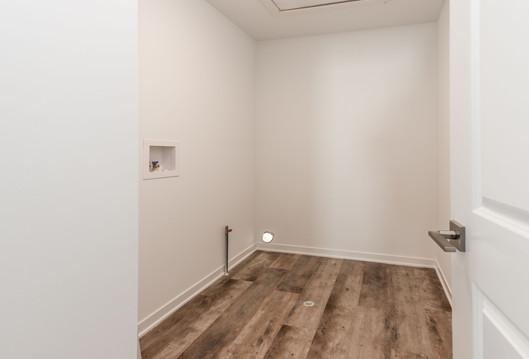 ashton-large-walk-in-closet.jpg