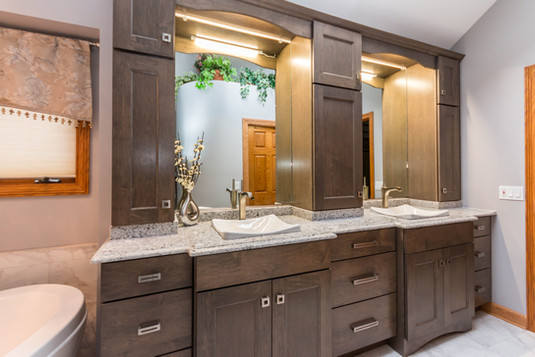 Bathroom cabinet replacing and new countertops