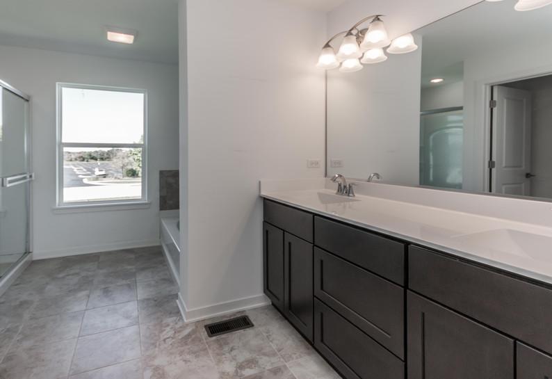 ashton-large-bathroom.jpg
