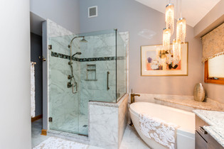 Side by side bathtub and shower