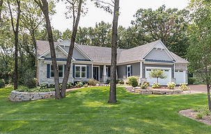 Beautiful custom homes for sale in illinois with a large one acre lot