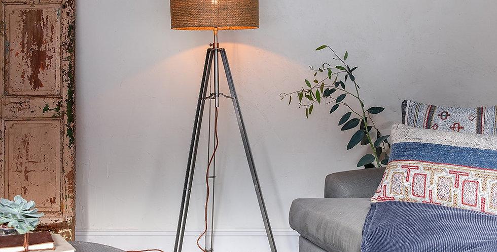 MAWUSI TRIPOD LAMP