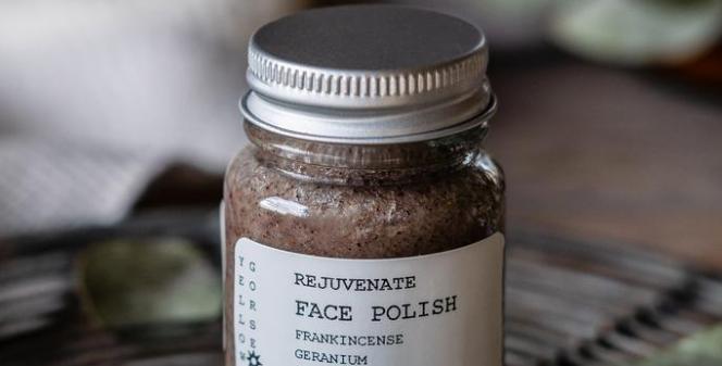 Rose, Geranium, Frankincense & Patchouli Facial Skin Polish