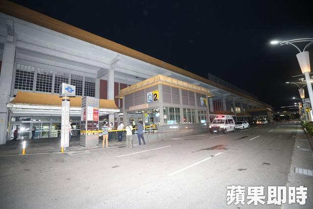 事發地點在松山機場前面的捷運站2號出口。資料照片