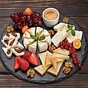 Сырная тарелка (дор блю, сыр пекорино-песто, чеддер, пармезан, бри)