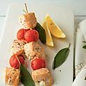 Шашлычки из лосося с помидором черри
