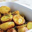 Запеченный мини картофель с тимьяном и розмарином