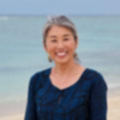 2 エサレンボディワークセラピスト_ヨーガ・瞑想指導者(川口直美).jpg