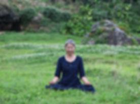 6 ヨーガ・瞑想風景(川口直美).jpeg