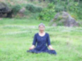 6 ヨーガ・瞑想風景(川口直美).jpg