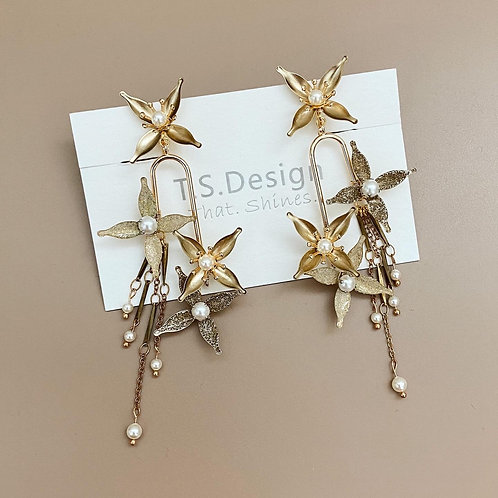 金色星光-金色星星長耳環(針/夾)(需兩星期製作)