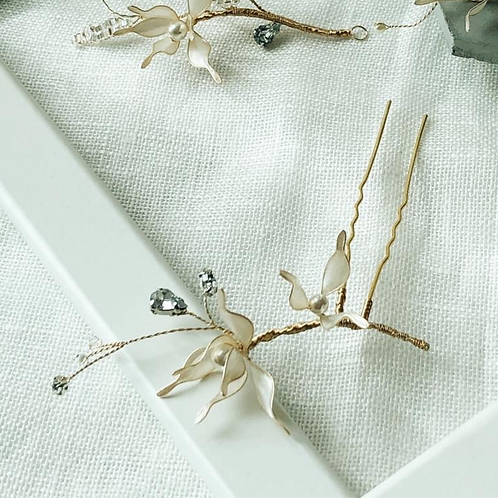 Jean's Creation-米白尖型花瓣髮叉(帶鑽款) (需兩星期製作)