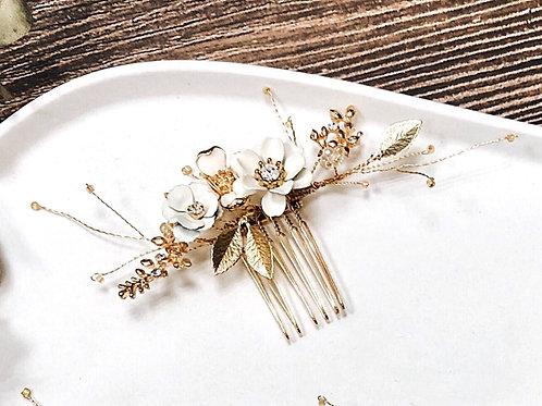 純真年代-珍珠白花髮叉 (需兩星期製作)