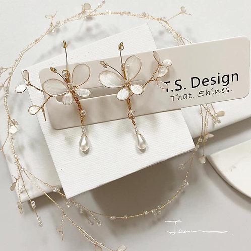 珍珠白蝴蝶垂珠耳環(針/夾)(需兩星期製作)