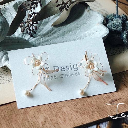 Jean's Creation清新小梅-小梅花短耳環(針/夾)(需兩星期製作