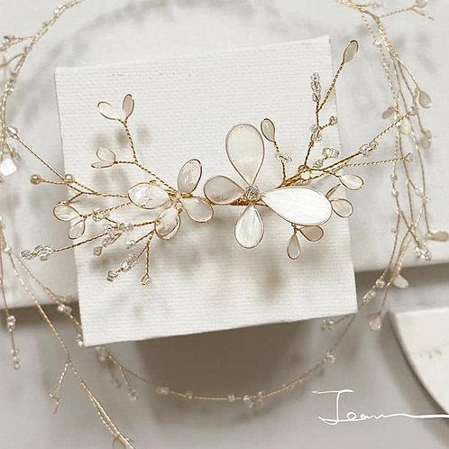 珍珠白蝴蝶髮飾(需兩星期製作)
