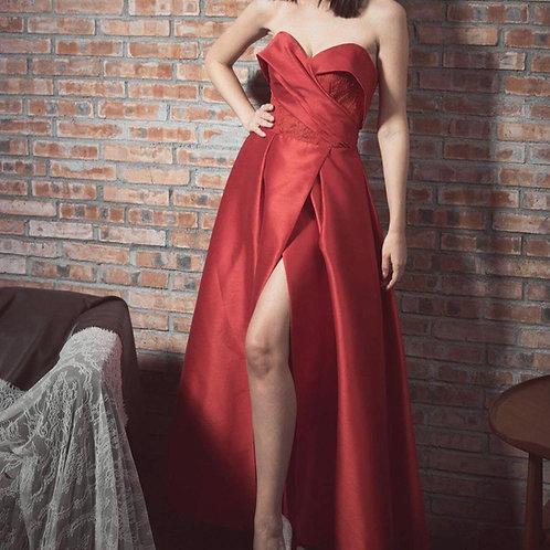 EGC014 - 紅色心形胸開叉晚裝