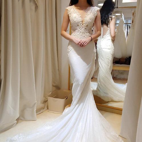 W133 - 闊肩帶魚尾婚紗
