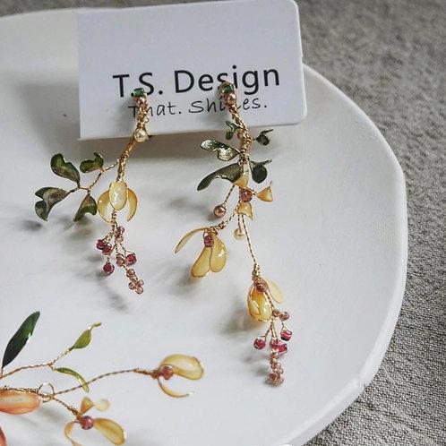 復古花飾不對稱耳環(針/夾)(需兩星期製作)