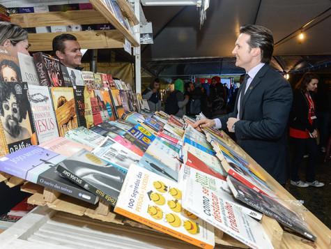 Feira do Livro de Caxias do Sul volta à Praça Dante Alighieri