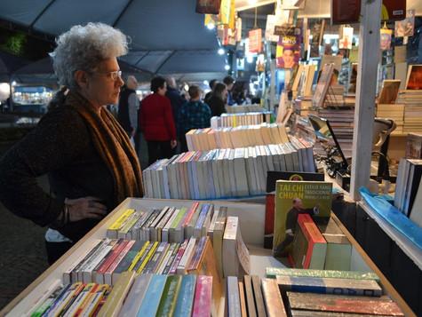 Feira do Livro contabiliza mais de 18 mil livros vendidos na primeira semana