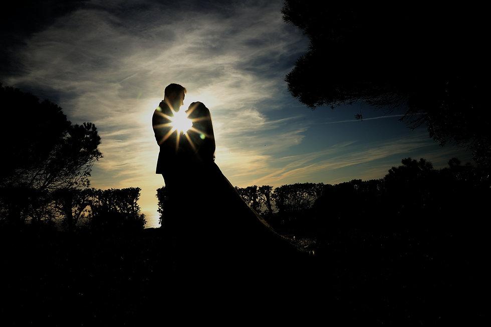 Fotografia linda de casal recém-casado