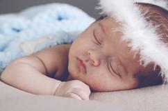 bebe recem nascido anjo