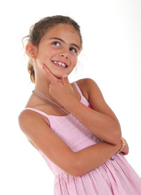 menina sendo fotografada