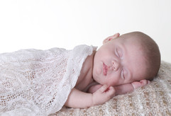 recen nascido a dormir