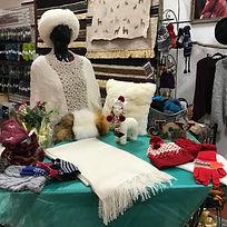 Shawl - Hand-woven shawl with dainty pea