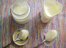 Iogurte caseiro, sem o uso da iogurteira