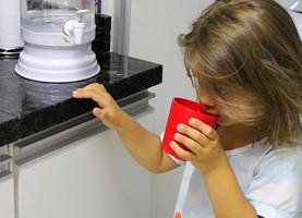 Seu filho bebe água suficiente?