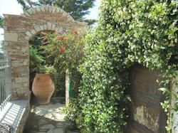 Villa Kastelli Garden May 2013