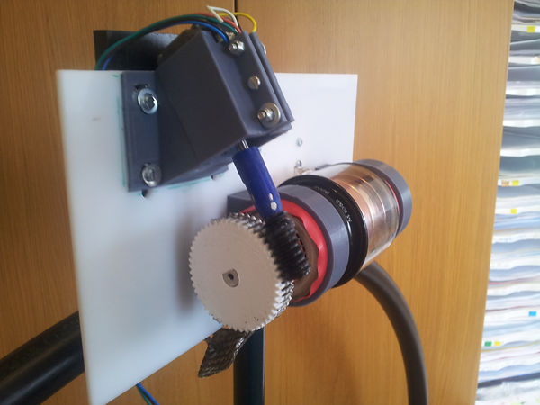 7  30 MHz      Magnetic loop  antenna