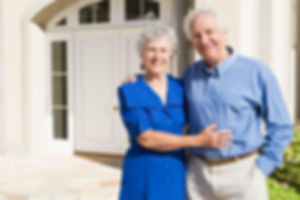 Couple_with_home_insurance