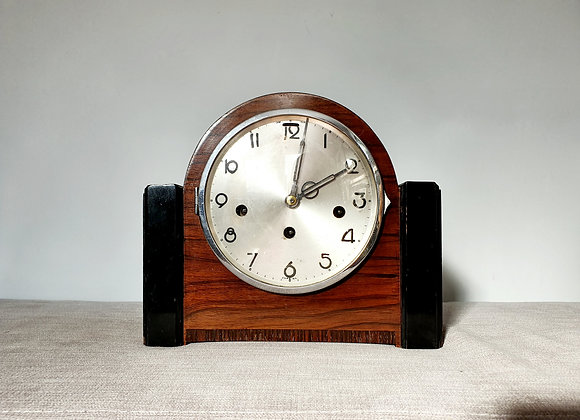 Westminster Chimes Mantle Clock