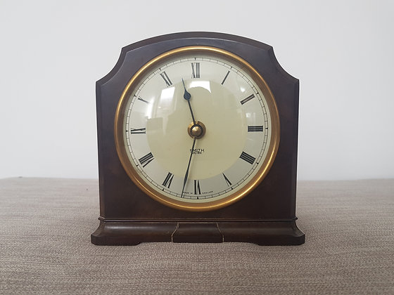 Smiths Bakelite Mantle Clock