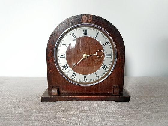 Winding Mantle Clock