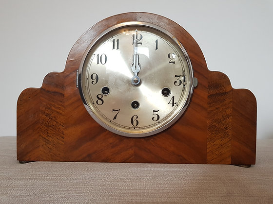 Westminster Chiming Mantle Clock