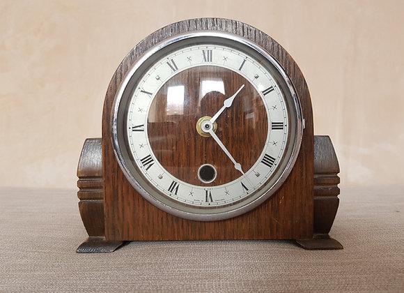 Battery Wooden Mantle Clock