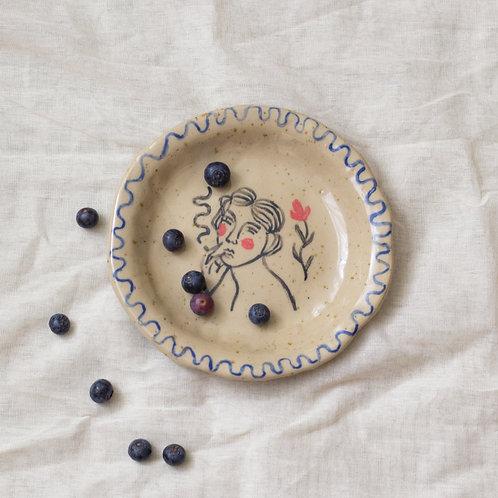 """Frau mit Blume"" ceramic plate"