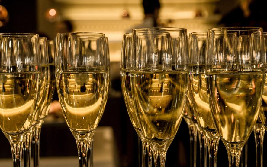 2016-ceremony-champagne-3941 (1).jpg