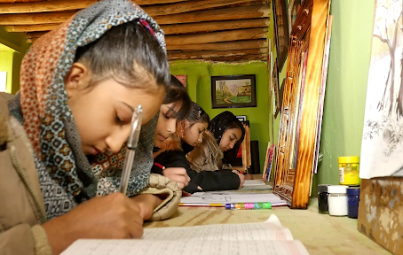Young Afghans Use Arts and Modeling to Hope For A Better Future