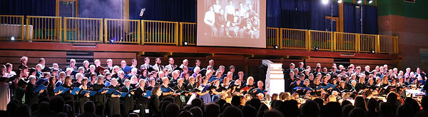 choir img8721x cropped.jpg