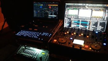 image-mobile-disco-and-mobile-dj-hire-kingston-upon-hull-yorkshire-www.russellprodj.com