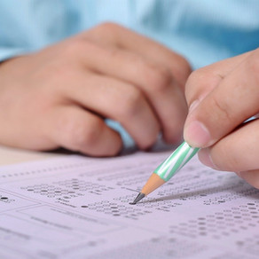 Випускників шкіл звільнили від обов'язкового складання ДПА в 2021 році